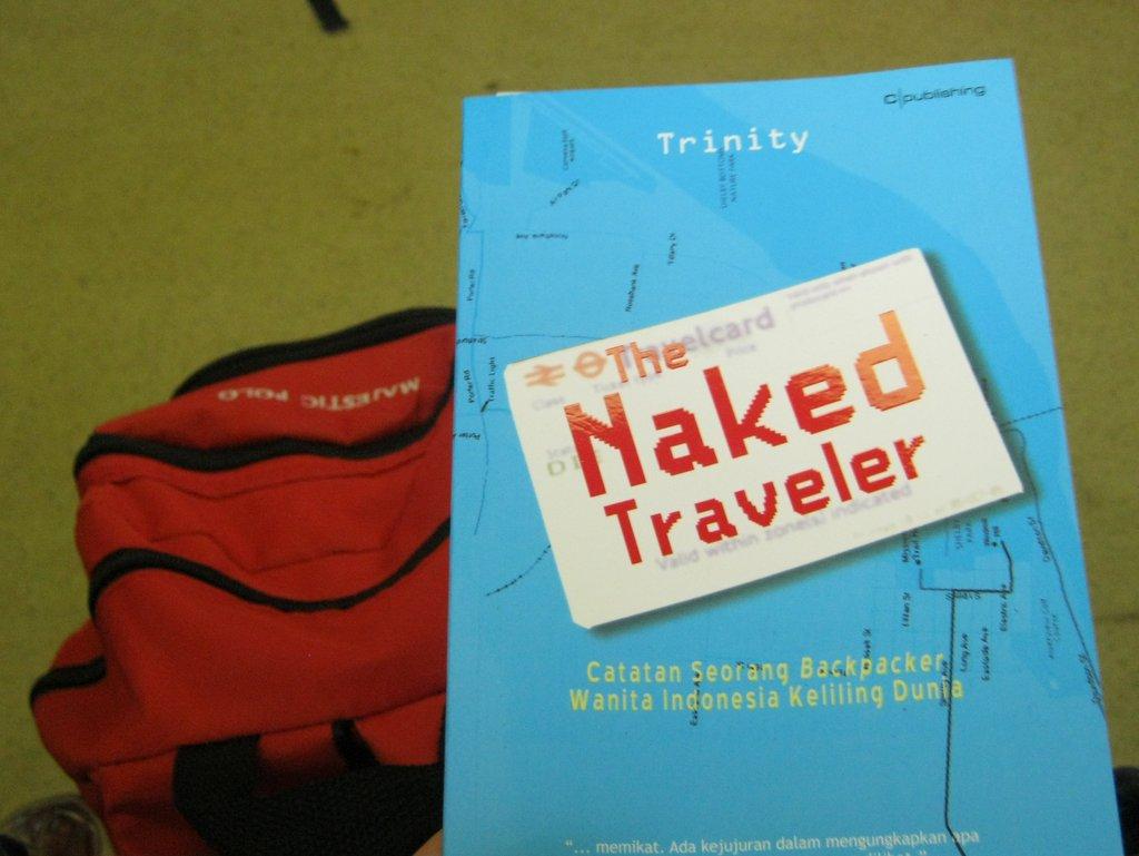 http://flickmagazine.net/foto_berita/30NakedTraveler1.jpg
